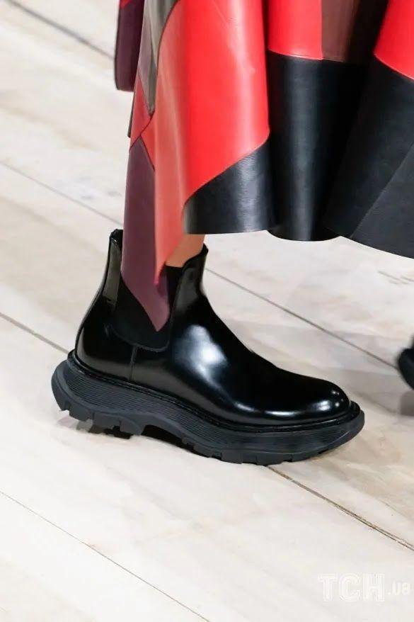 Коллекция Alexander McQueen прет-а-порте сезона осень-зима 2020-2021