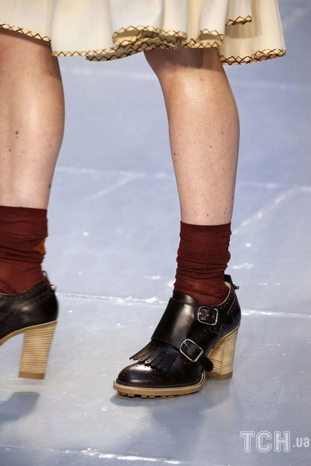 Туфли и босоножки с носками