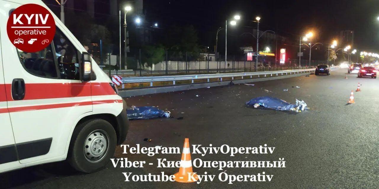 Двоє людей загинули на місці ДТП.