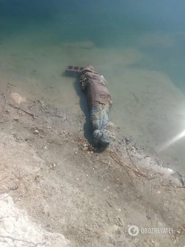 Водолазы нашли тело в карьере