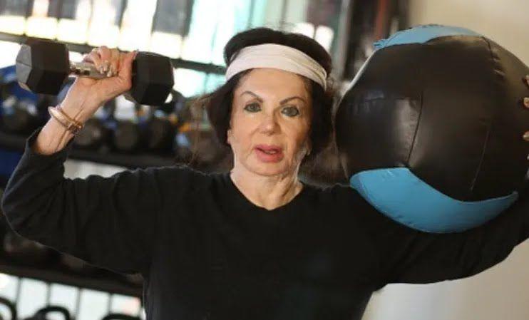Джеки публиковала в сети фото и видео тренировок.