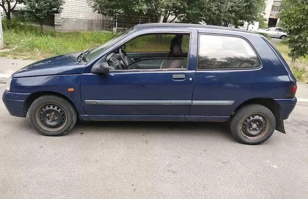 Renault Clio за 1700 евро.