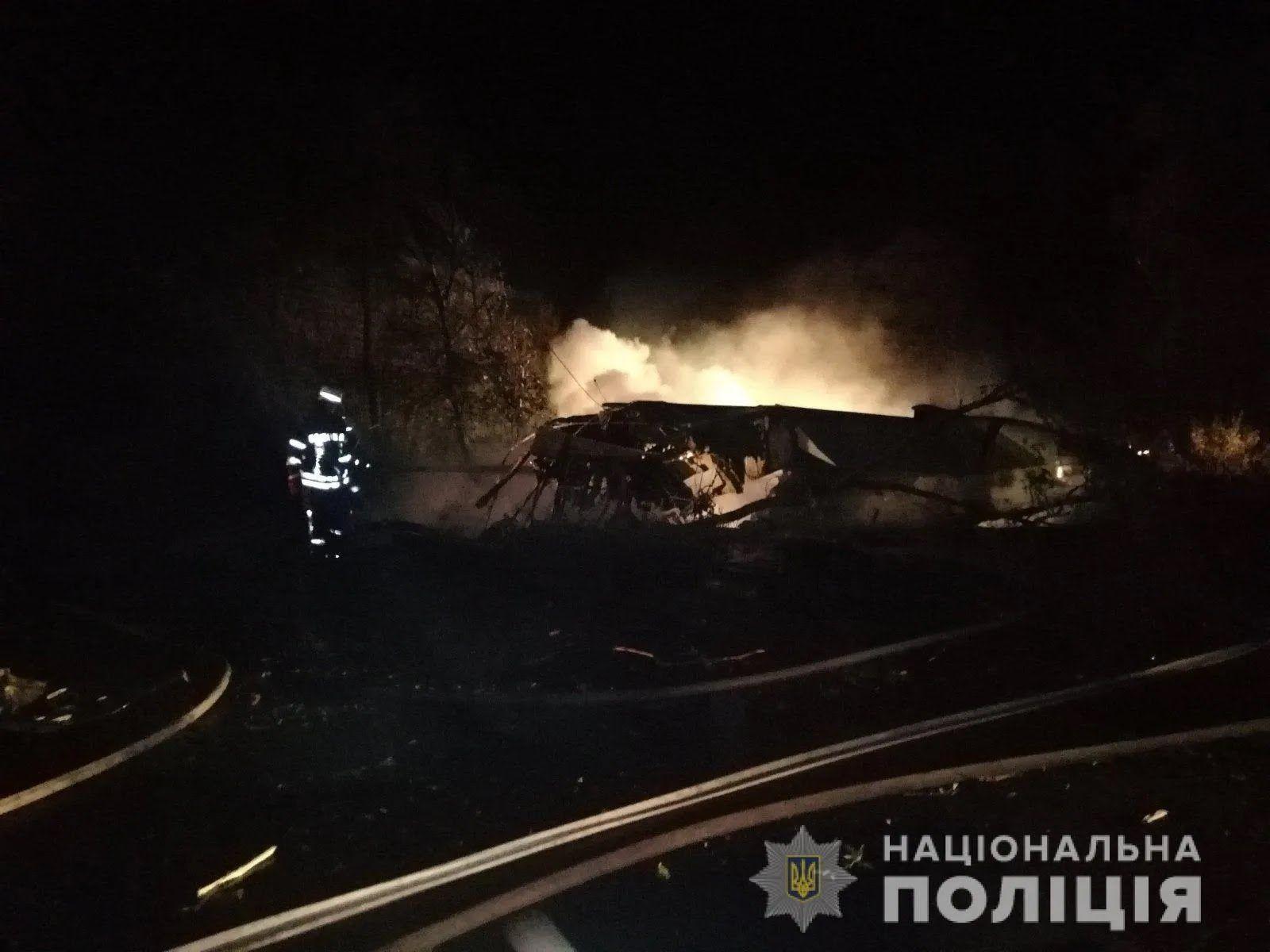 Самолет упал на расстоянии около 2 км до военного аэропорта