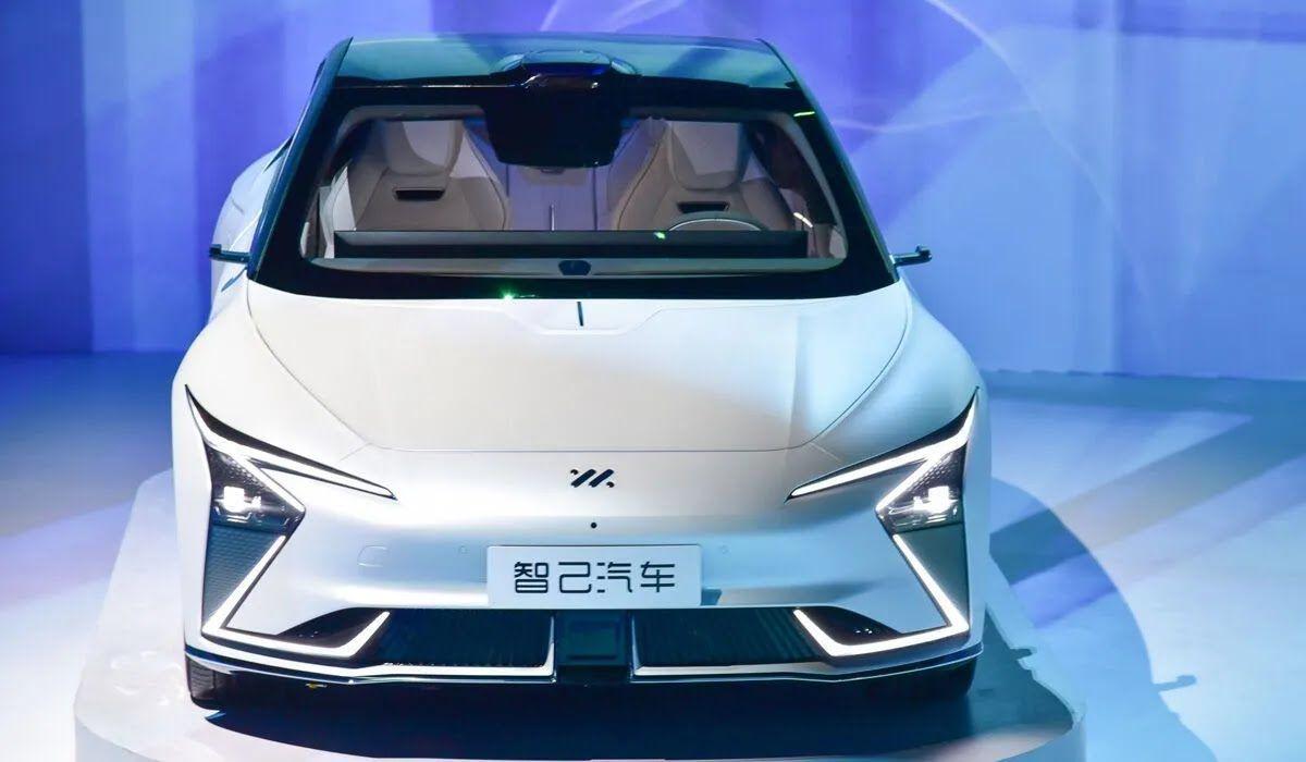 Первенцем нового бренда IM – Intelligence in Motion – стал прототип электрического седана