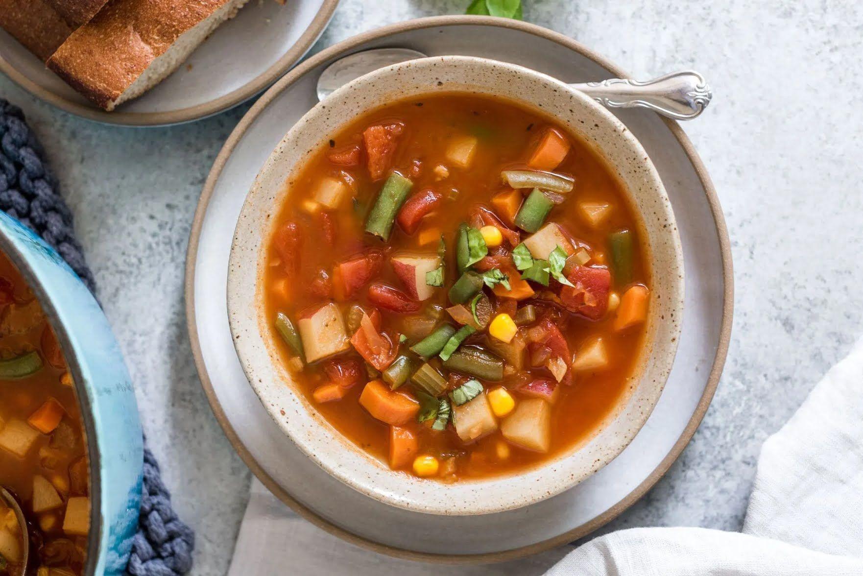"""В овощных супах можно """"играть"""" с ингредиентами на свой вкус."""