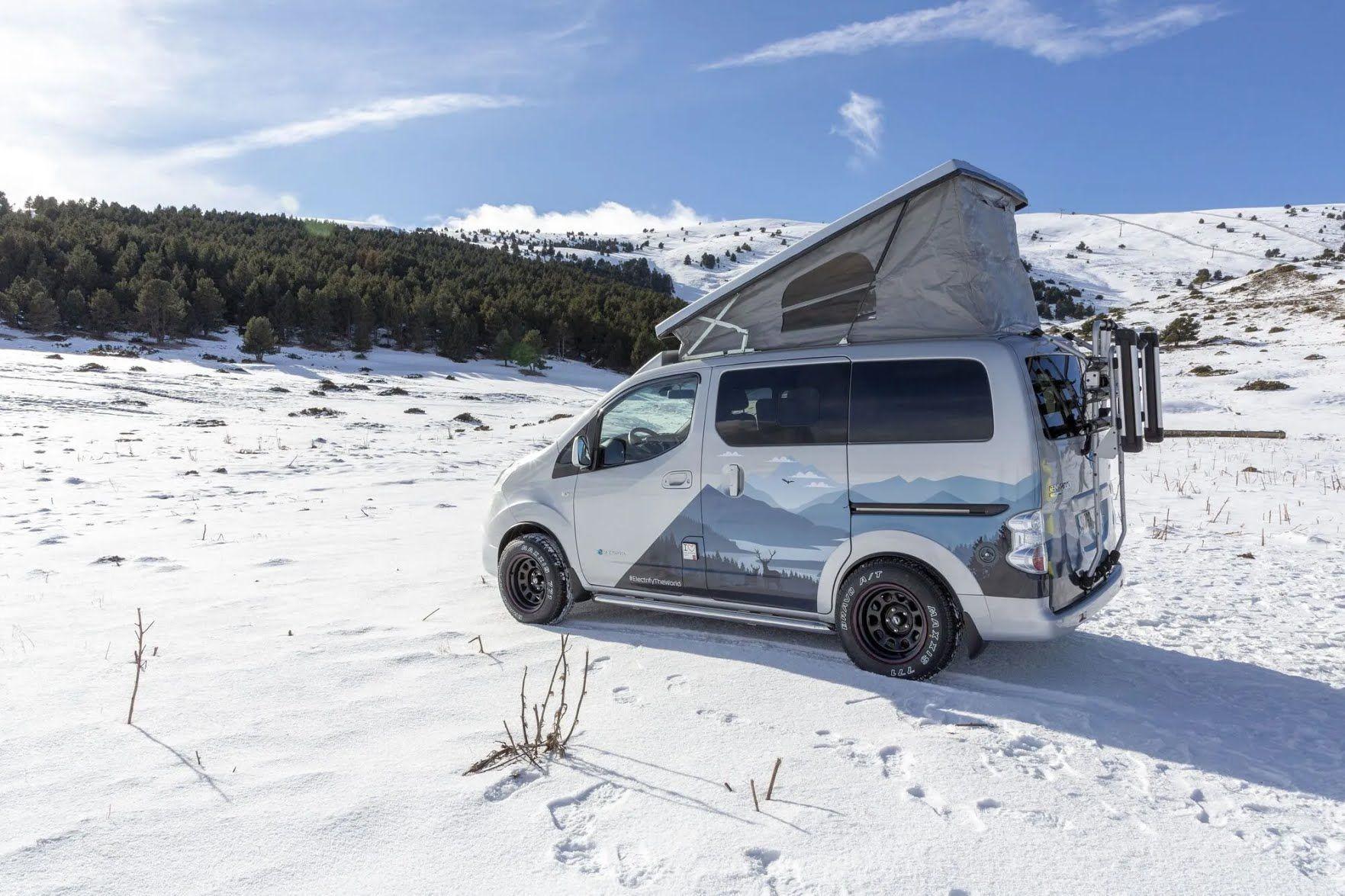 Электромобиль оснащен мотором мощностью 80 кВт и может преодолеть до 275 км