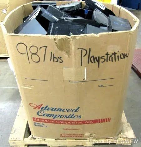 Цена коробка с консолями 800 долл