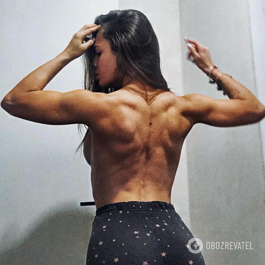 Юлия Мишура продемонстрировала великолепные мышцы спины