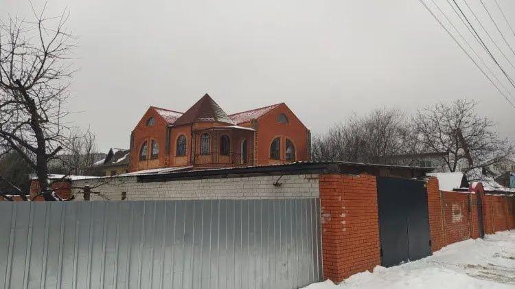 Здание на Переяславской 13.