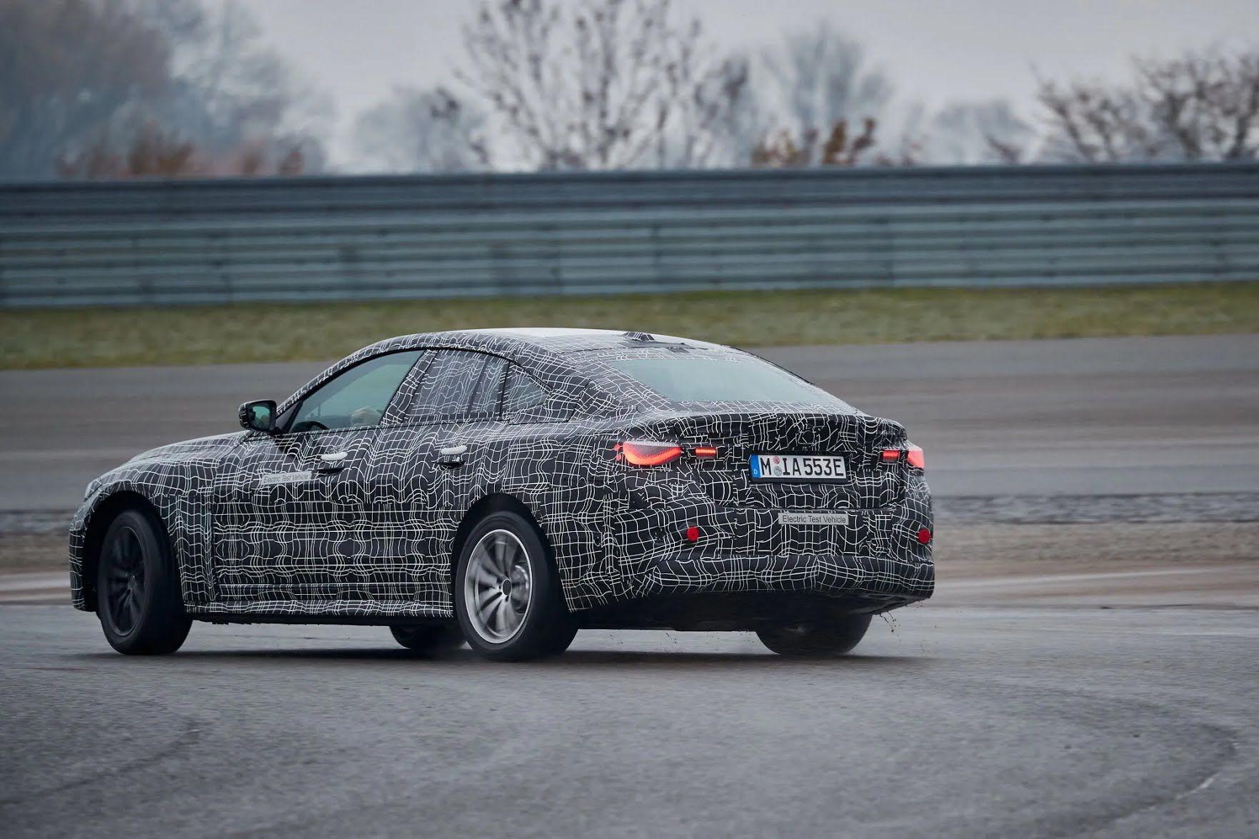 В компании обещают, что полностью заряженная BMW i4 сможет преодолеть до 600 км по циклу WLTP.