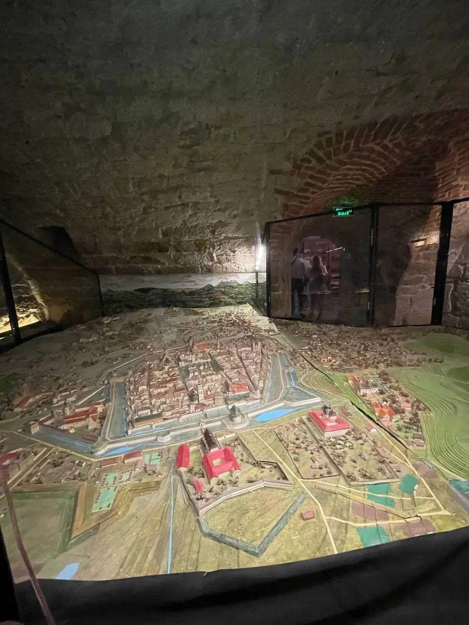 Во Львове огромное количество экскурсий по подземельям.