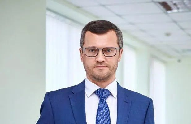 Артем Миронович.