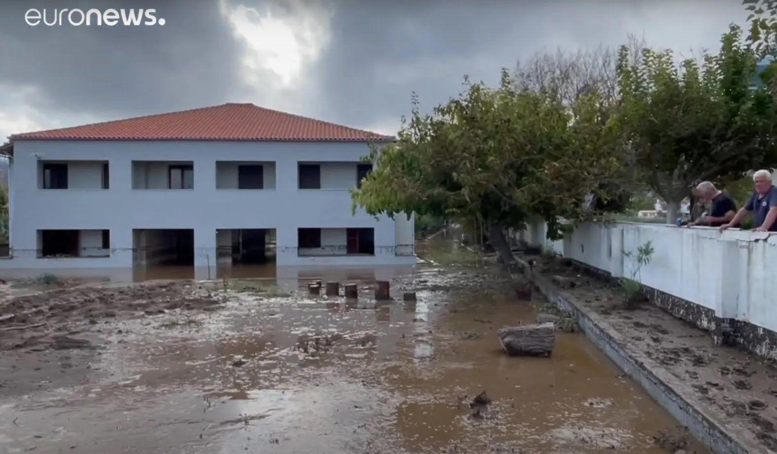 Последствия наводнений в Греции.