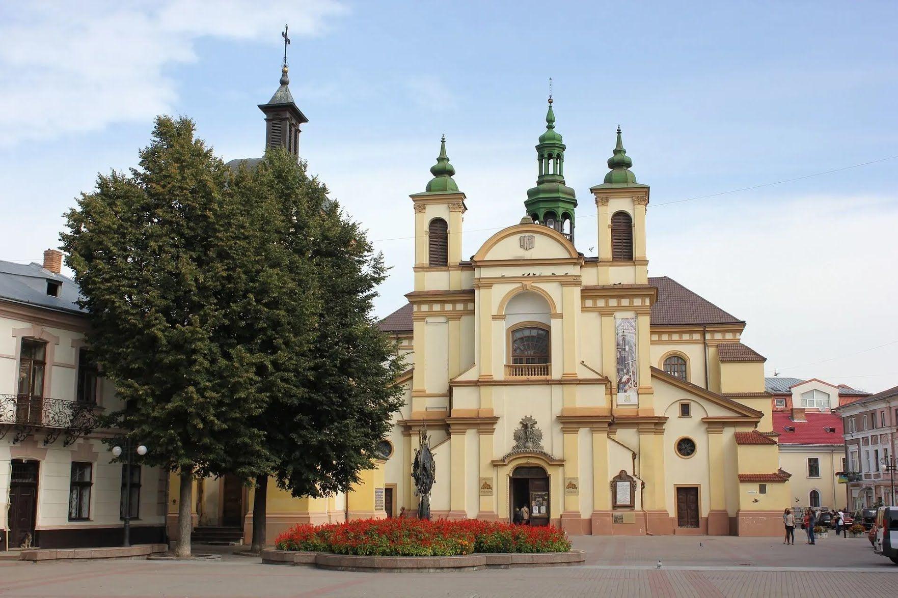 Івано-Франківськ славиться романтичною атмосферою.