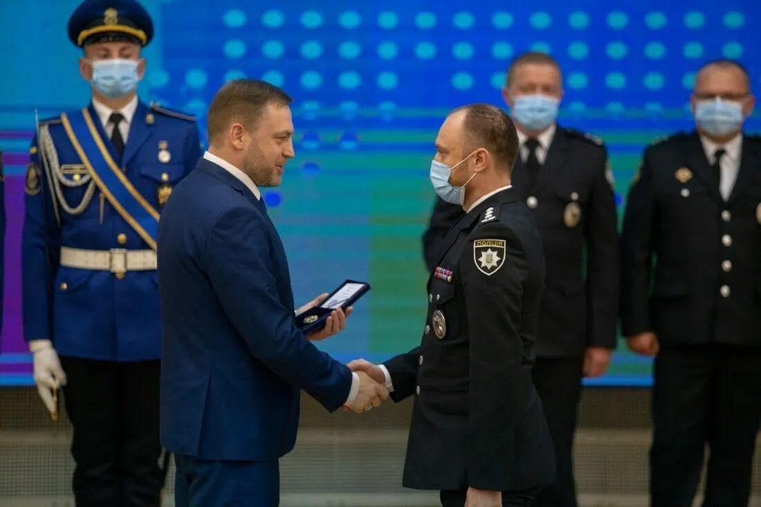 Военные получили награды в преддверии праздника