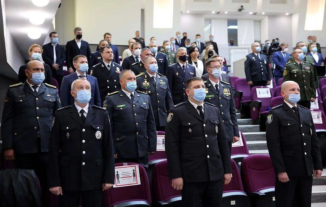 Военные получили награды в канун профессионального праздника