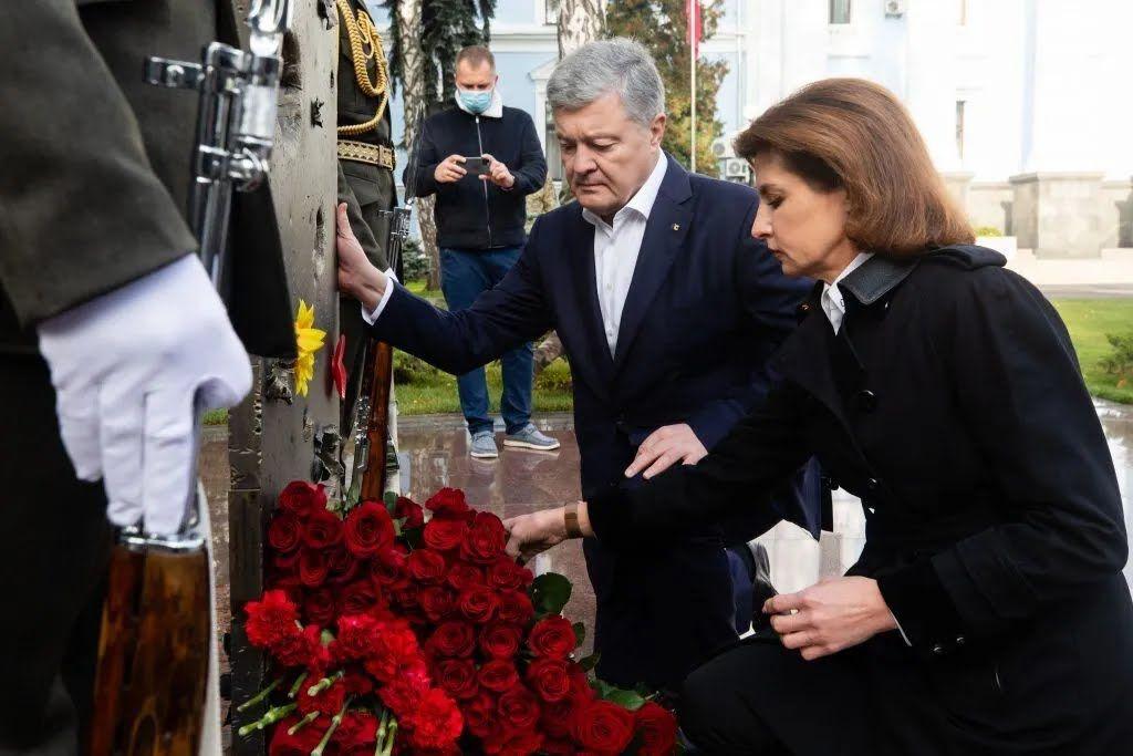 Тут щоденно згадують воїнів Збройних сил, що загинули у день ритуалу, починаючи з 1992 року, у боях за Україну
