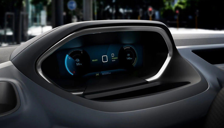 Цифрова шкала приладів надасть водієві всю необхідну інформацію