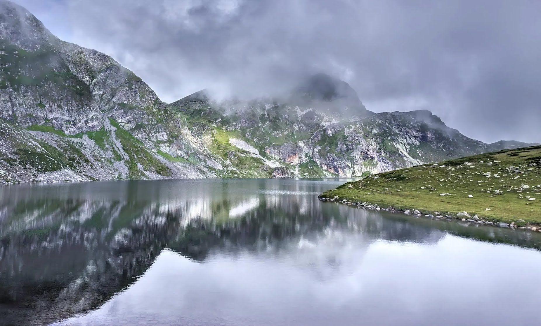 Этой зимой курорты Болгарии стали одним из немногих открытых направлений горнолыжного отдыха для украинцев.