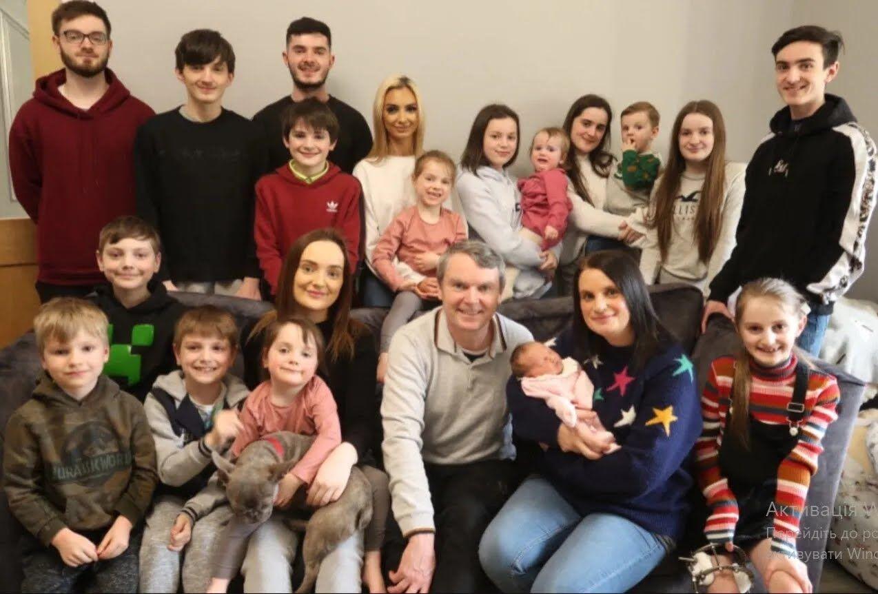 Жінка з Британії народила 21 дитину і поділилася подробицями сімейного життя.