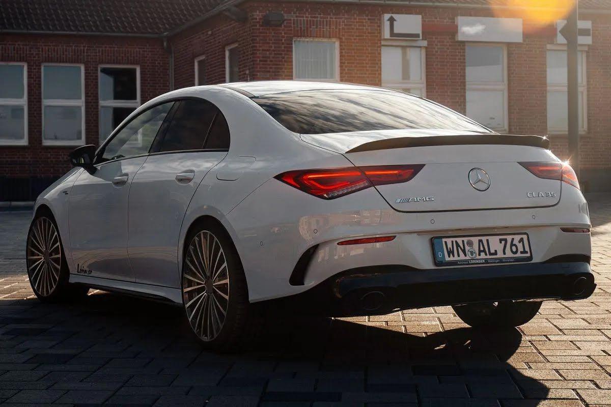 Задняя часть Mercedes-AMG CLA 35