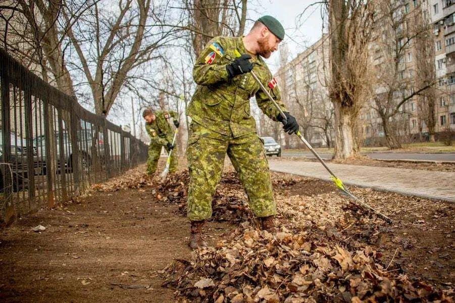 Военные из Канады в Николаеве.