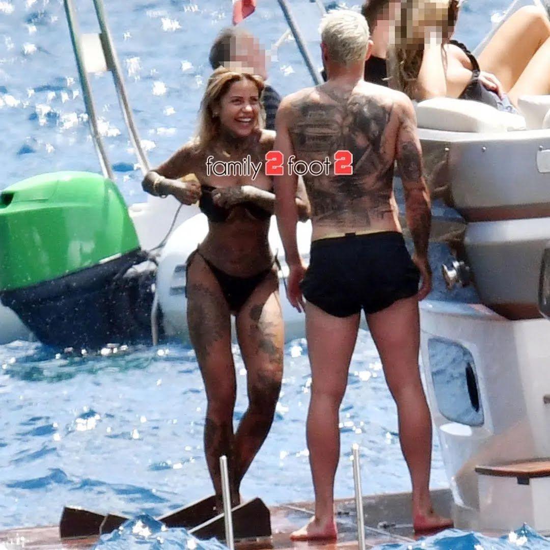 Тео и Зои на яхте