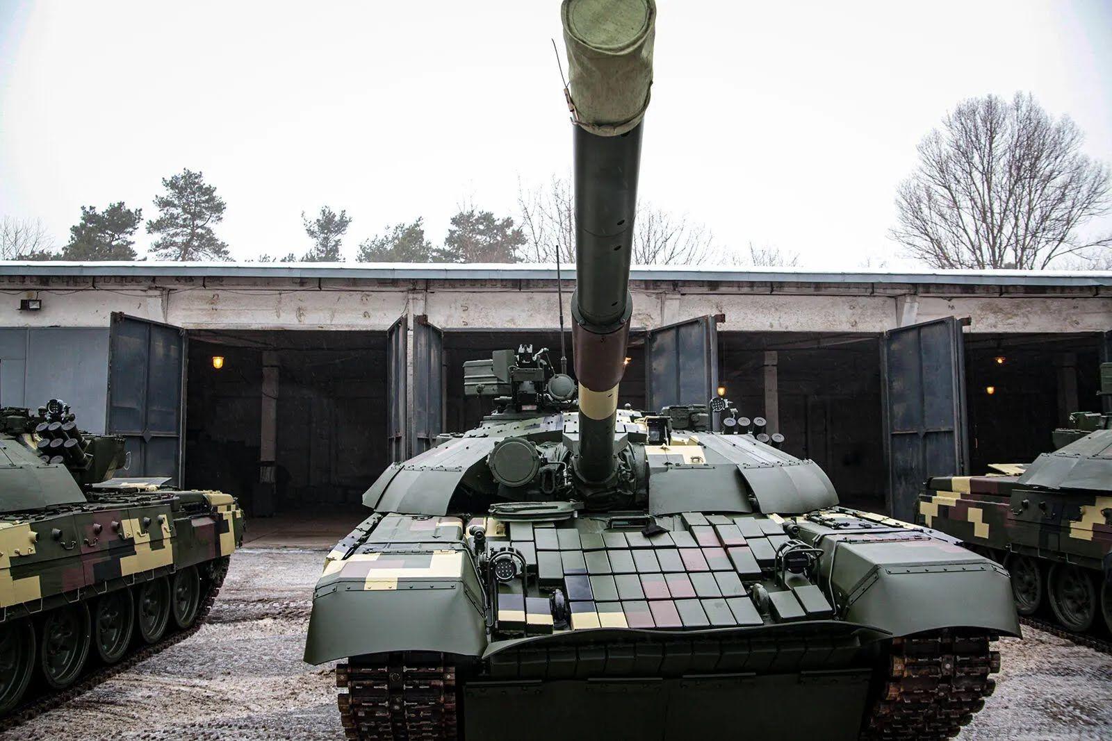 Танки Т-72 стали более защищенными и мобильными.