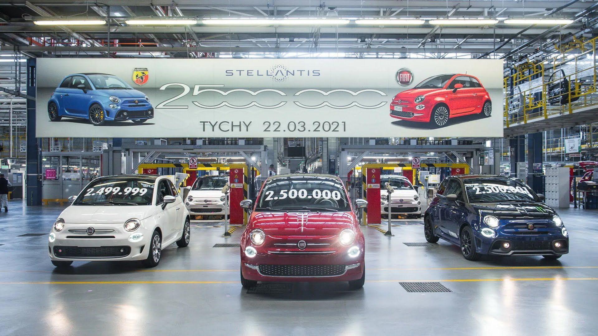Юбилейным экземпляром стала гибридная версия 500 Hybrid, оснащенная 70-сильным силовым агрегатом с технологией mild hybrid
