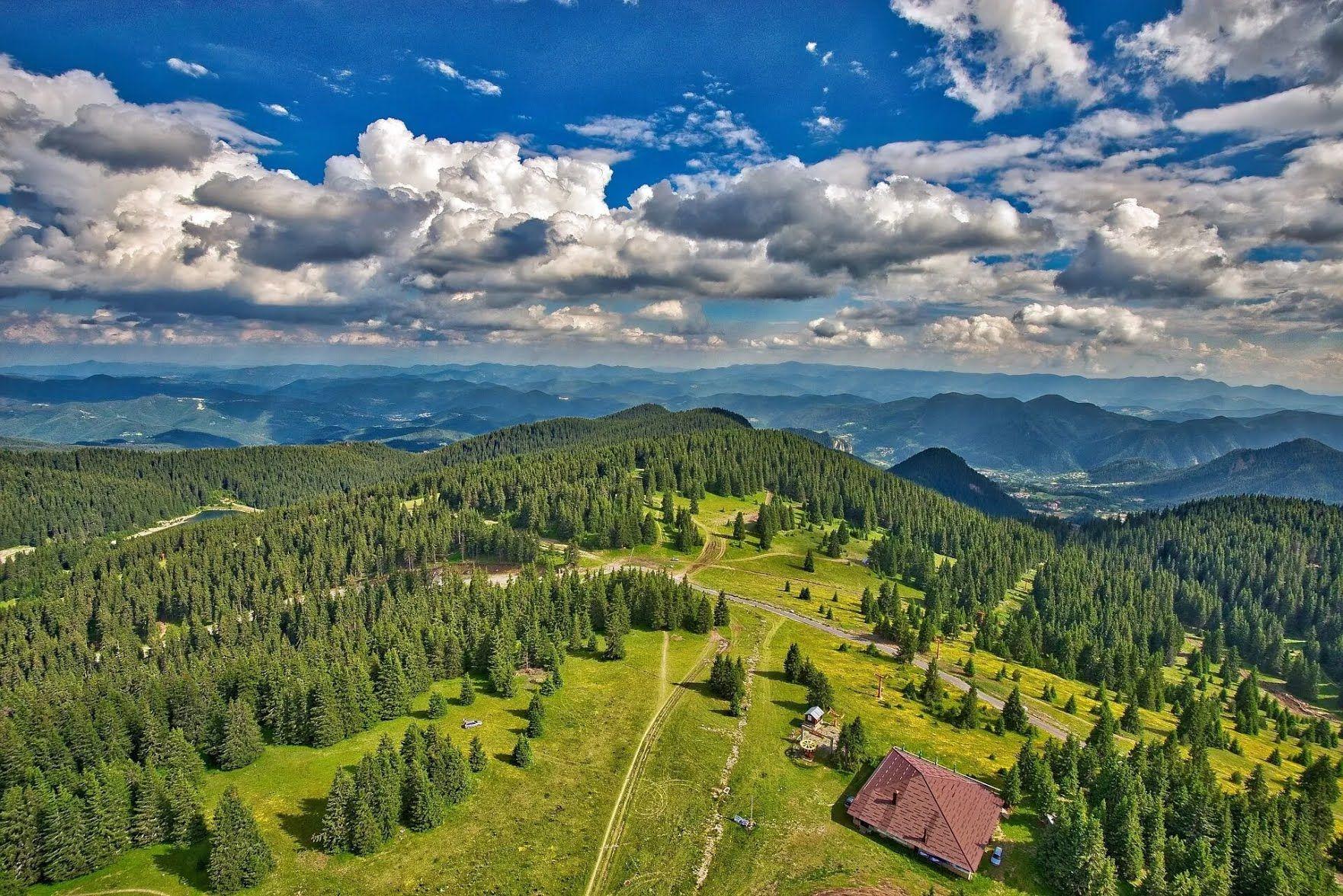 Средняя цена за интересную экскурсию по Болгарии – 50-75$.