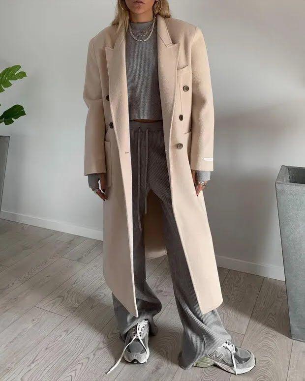 Спортивный костюм можно дополнить пальто