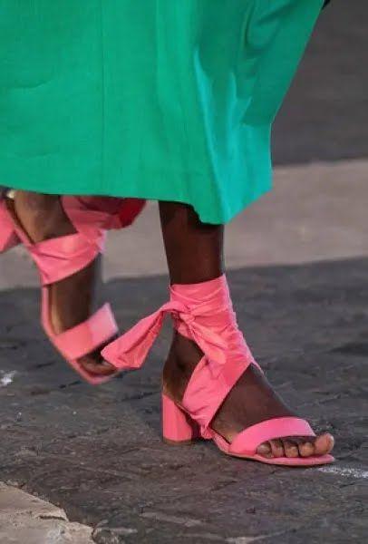 Розовый цвет снова стал одним из самых трендовых оттенков сезона.