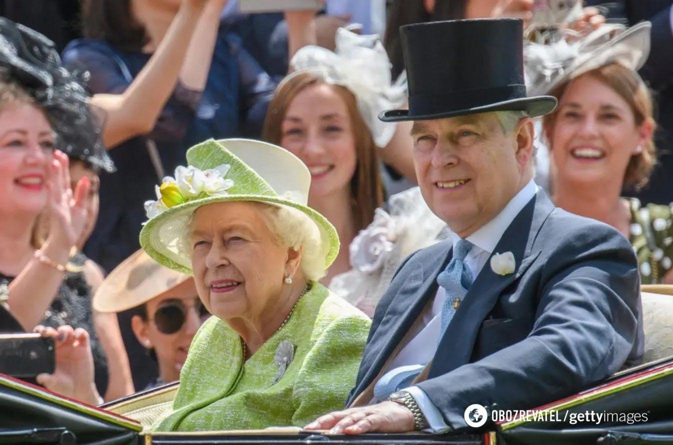 Второму сыну королевы Елизаветы Эндрю – 61 год