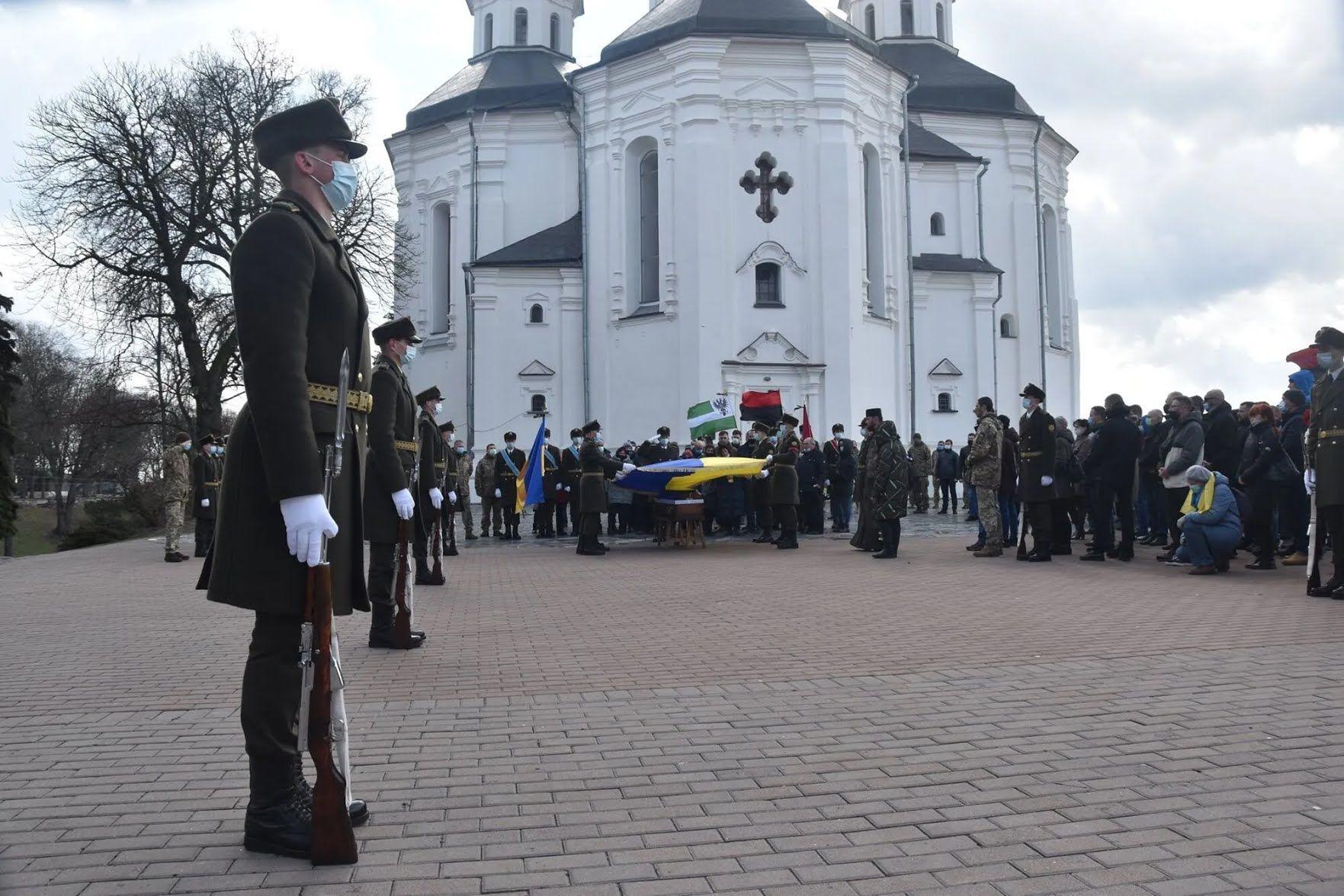 Прощание со Шпаком прошло у кафедрального собора Святой Великомученицы Екатерины