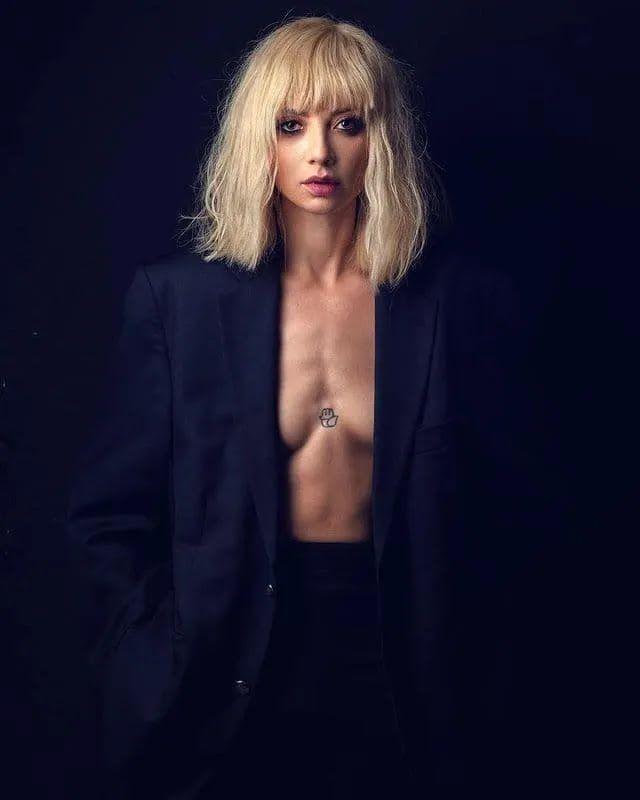 Ирина Сопонару снялась в новой фотосессии