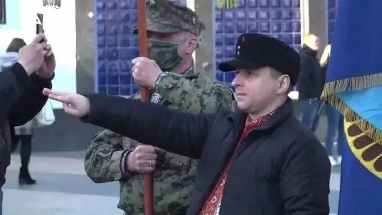 Заборонене нацистське вітання під час ходи в Києві.