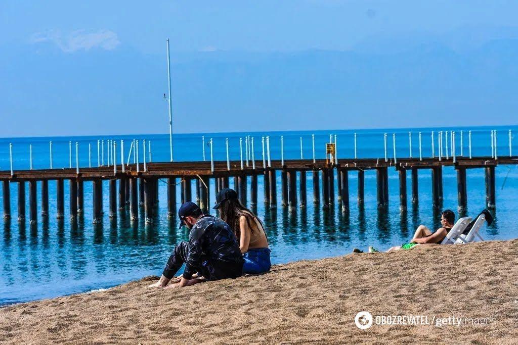 У Туреччині зараз напівпорожні пляжі