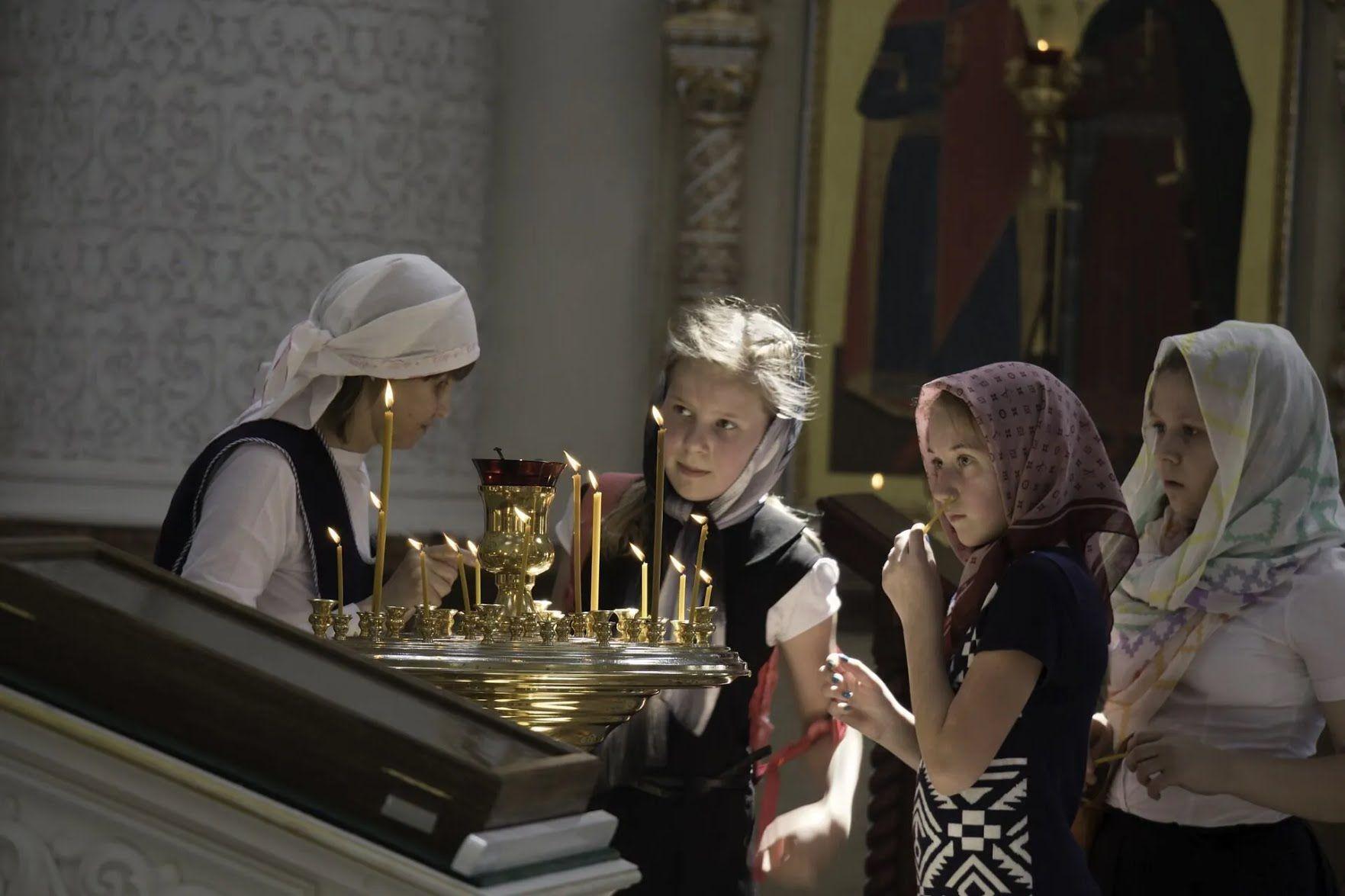 У православ'ї прославляння жінок-мироносиць пов'язано з прославлянням Воскресіння Христового
