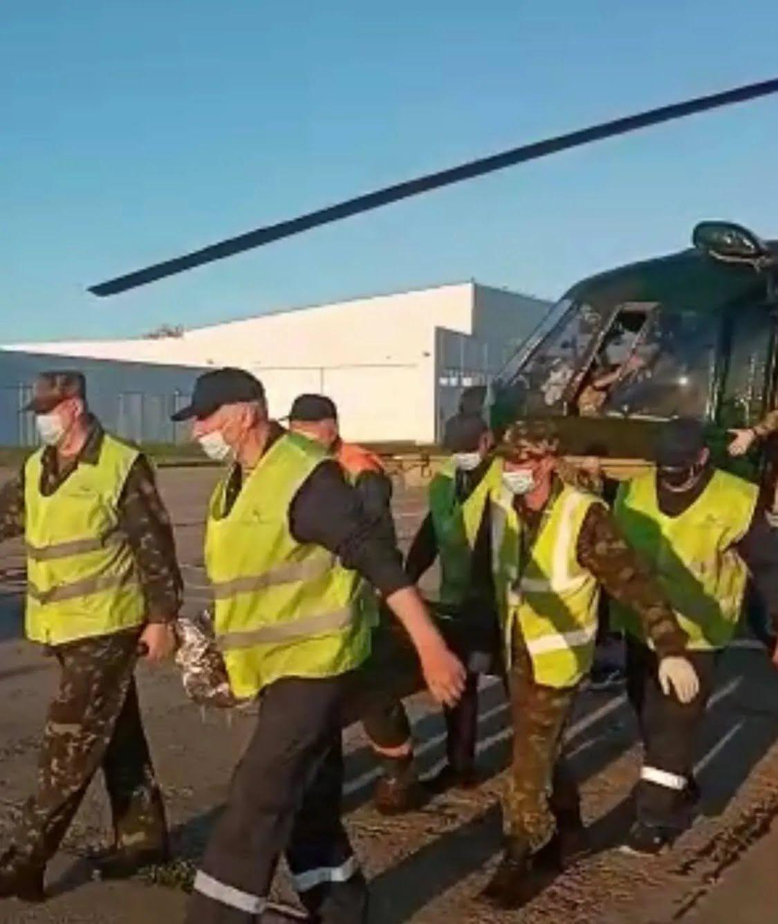 Бійця евакуювали військовим вертольотом.