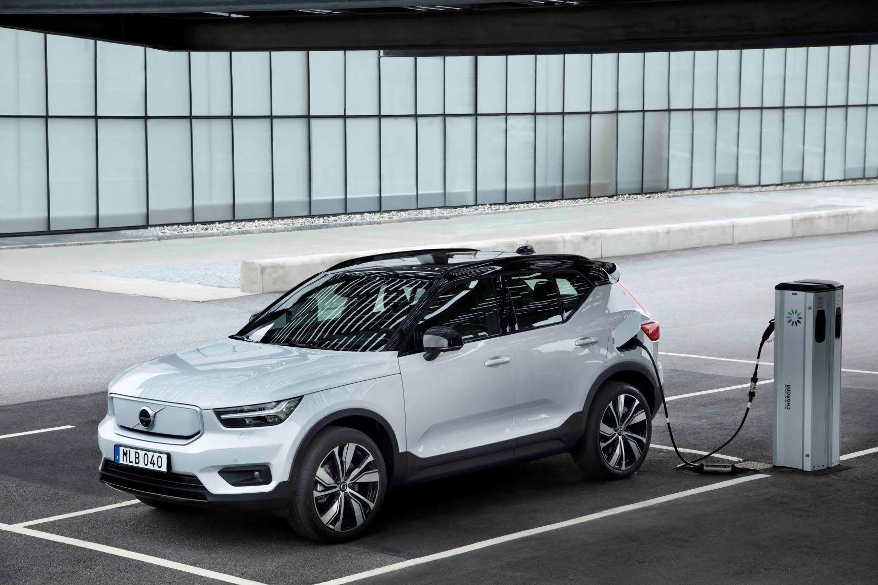 В Україні перші екземпляри кросовера Volvo XC40 Recharge очікуються в липні