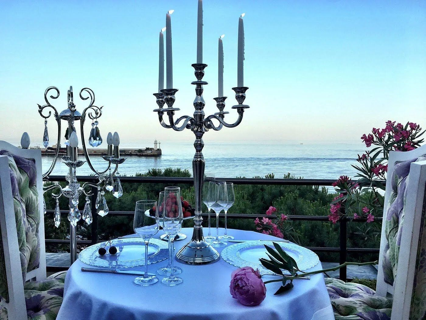 Терраса Villa Sofia для особенного вечера
