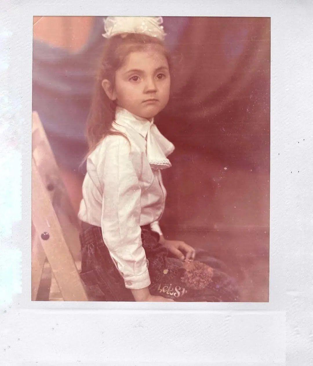 Цибульська показала себе в дитинстві.