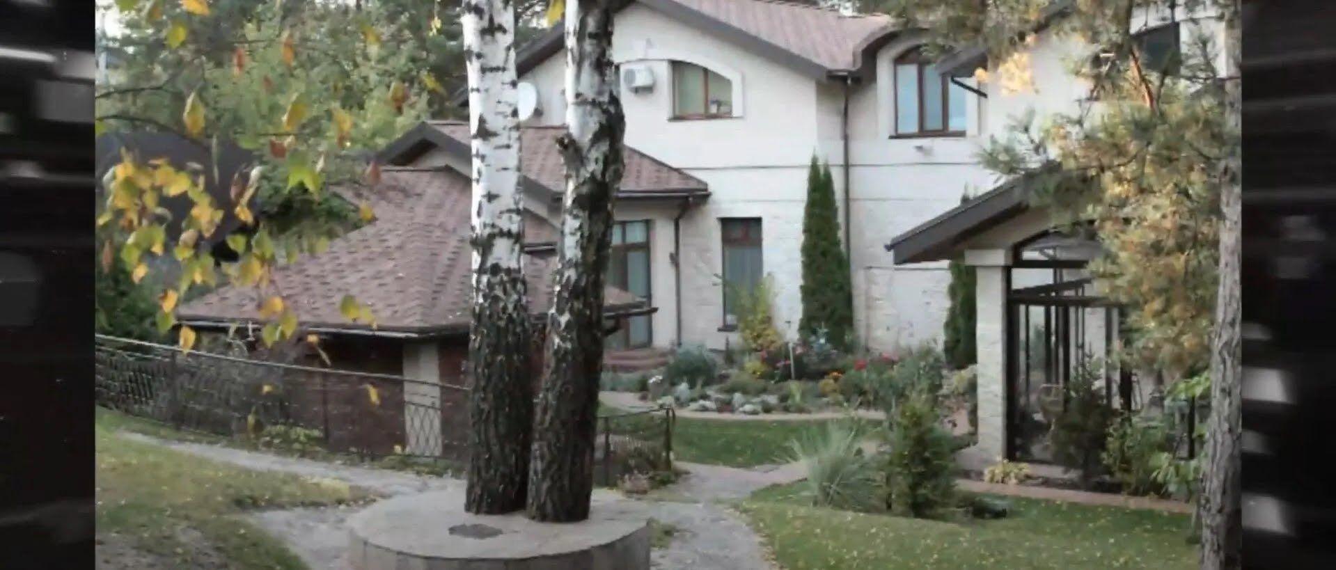 Як виглядає будинок Лободи.