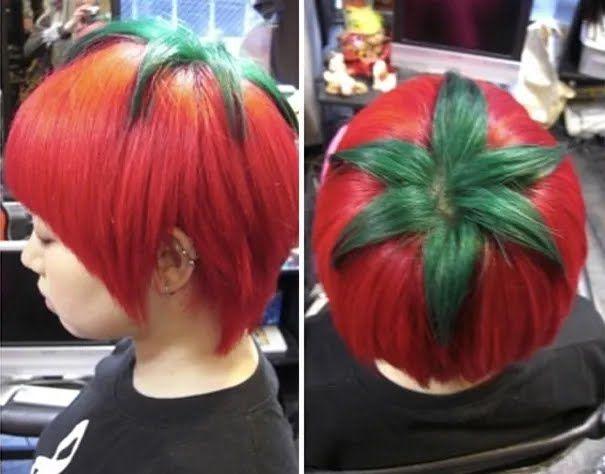 У Японії дівчата експериментують із кольором волосся.