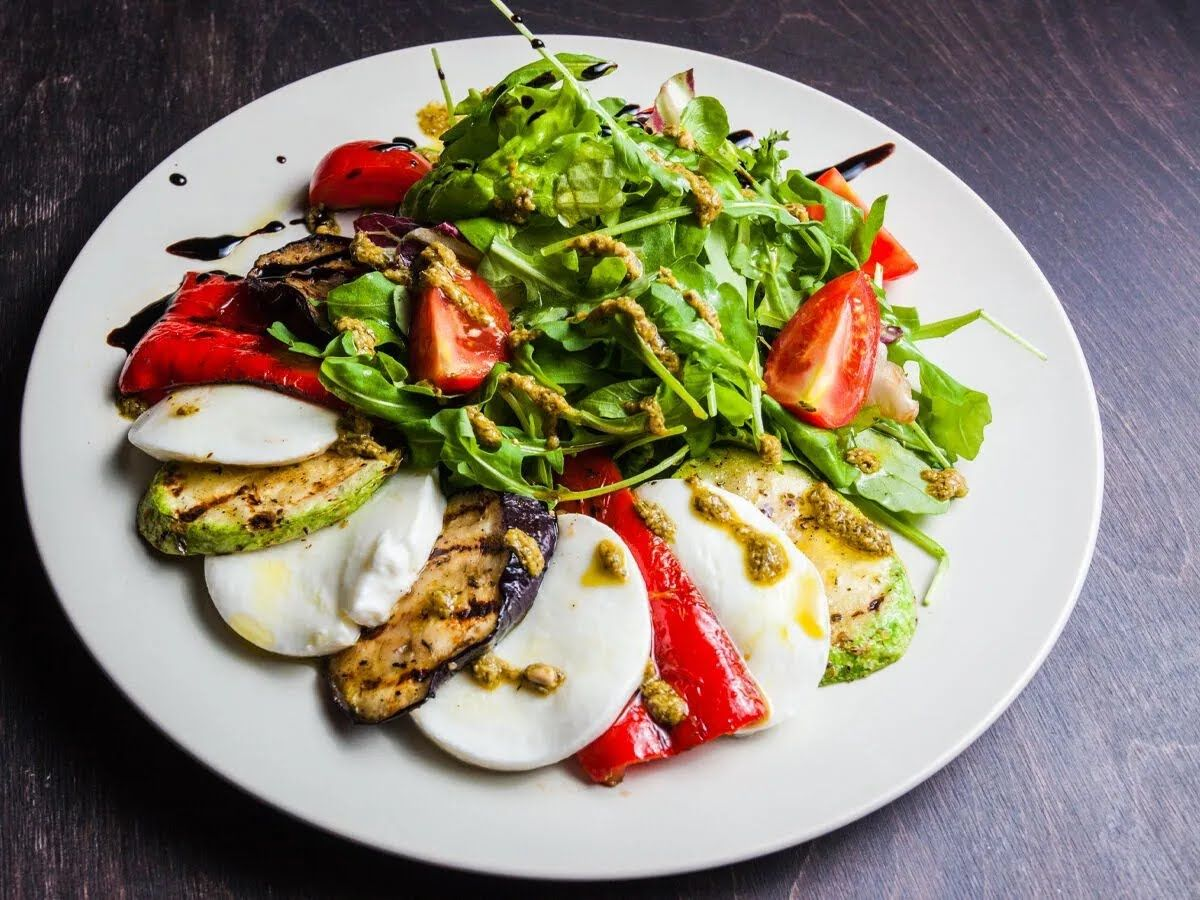 Салат із запеченими кабачками і фетою