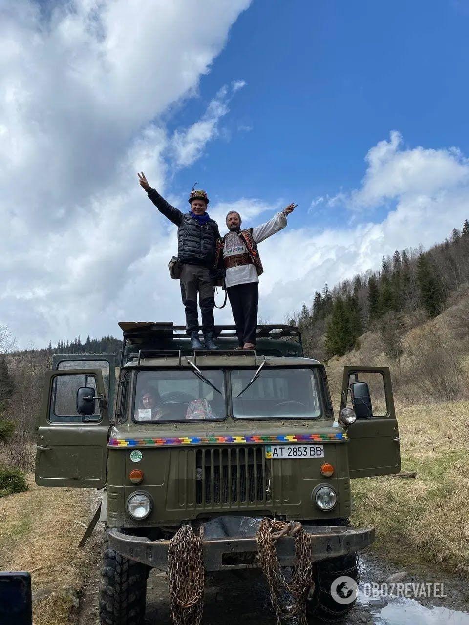 Для туристів є розвага з підйомом у гори на ГАЗ-66.