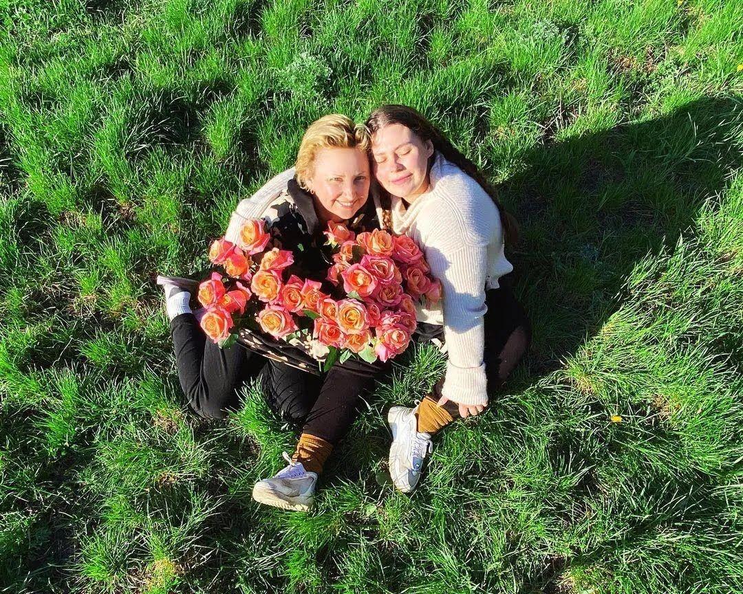 Олександра Зарицька присвятила мамі допис в Instagram