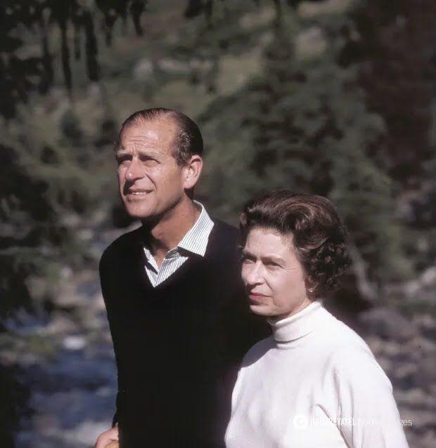 Королева Єлизавета на прогулянці з чоловіком, 1970 рік