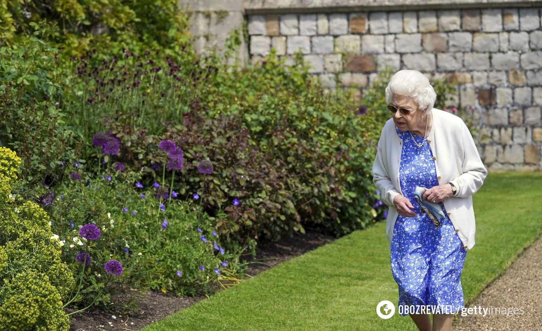 Єлизавета II посадила новий вид квітів.
