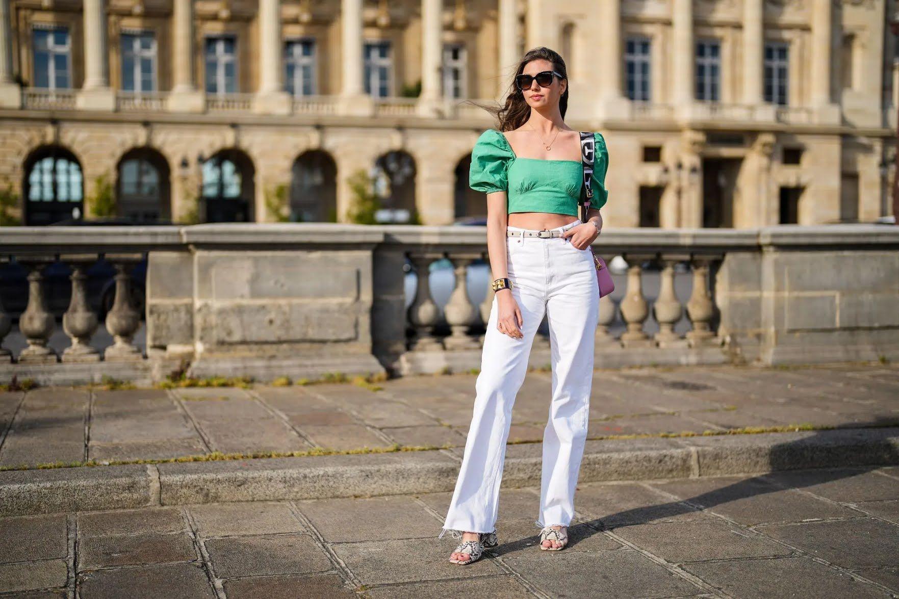 Білі широкі джинси – тренд літа 2021
